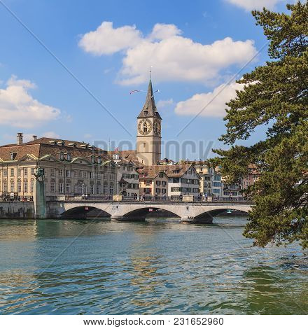 Zurich, Switzerland - 24 April, 2014: Well-known Architectural Landmarks Of The City Of Zurich - Mun
