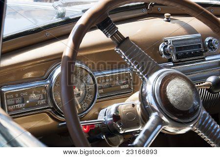 Innen Blick auf ein altes Auto
