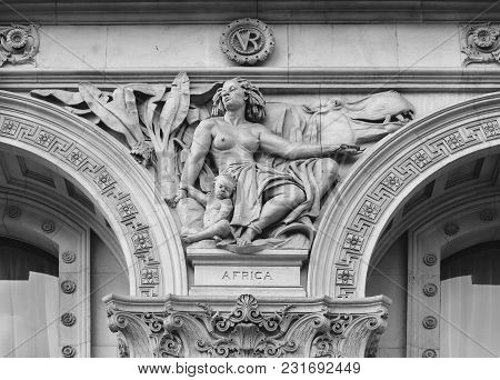 London, Uk - Mar 7, 2018: Sculptures On The Facade Of The Foreign Office In Whitehall, London, Engla