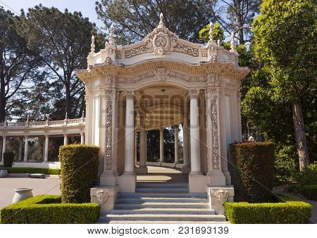 San Diego, California - May 26, 2014: The Colonnade In Balboa Park With Columns, Built For The 1915