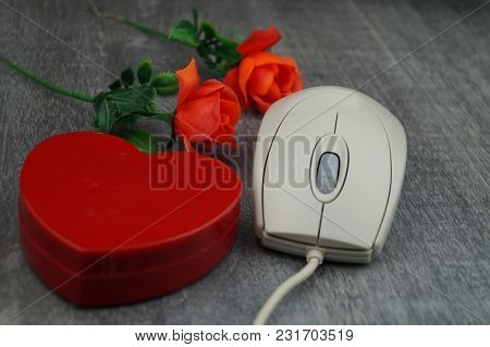 Online Dating - Your Eternal Love Might Be Only One Click Away