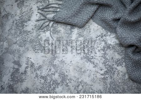 grey background with beton wall