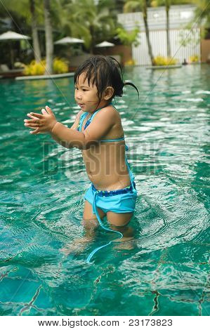 Little Asian Girl Have Fun With Pool