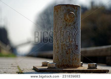 Mooring Bollard For River Boat, Steel Post For Moorings.