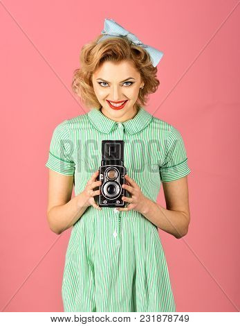 Beauty, Fashion Photography, Vintage Style. Family Portrait, Old Fashion, Journalism, Pinup. Retro W
