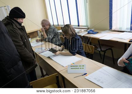 Voter Registration For Presidential Elections In Russia-march 18, 2018