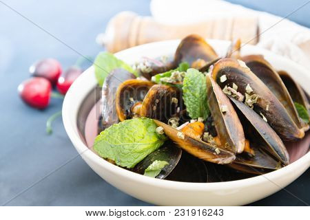 Fresh Mussels cooked in Provencal style
