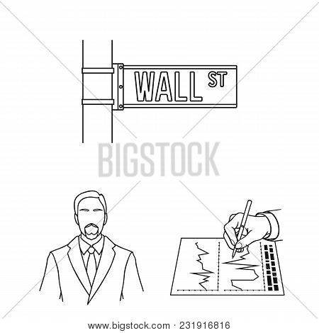 Money And Finance Outline Icons In Set Collection For Design. Business And Success Vector Symbol Sto