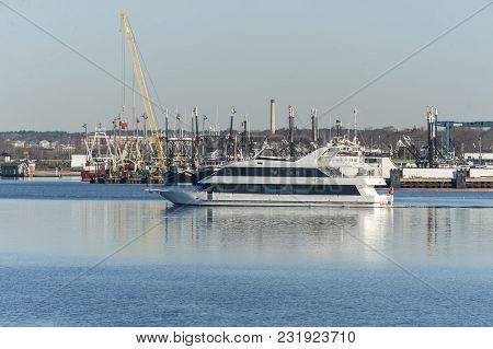 Fairhaven, Massachusetts, Usa - February 27, 2018: Charter Yacht Seaport Elite Ii On Acushnet River