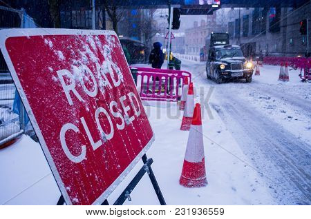 Birmingham, United Kingdom - March 02 2018: Road Closed Sign In Birmingham City During Heavy Snowfal