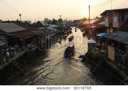 Amphawa Floating Market Early In The Morning