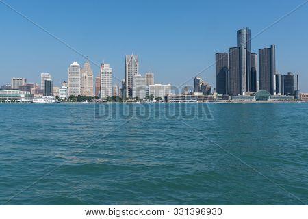 Detroit, Mi - September 21, 2019:  Skyline Of Detroit, Michigan Across The Detroit River