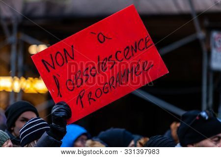 French Sign Seen In An Ecological Protest Saying No To Planned Obsolescence