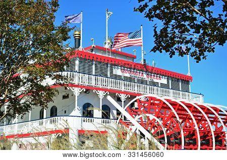 Savannah, Georgia - November 3, 2018 The Georgia Queen Riverboat Docks Along The Historic Waterfront
