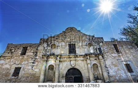 Sun Rays Alamo Mission San Antonio Texas. Site 1836 Battle Between Texas Patriots, Such As Travis, B