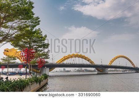 Da Nang, Vietnam - March 10, 2019: Shot Over Wide Han River On Head Of Cau Rong Or Dragon Bridge Bet