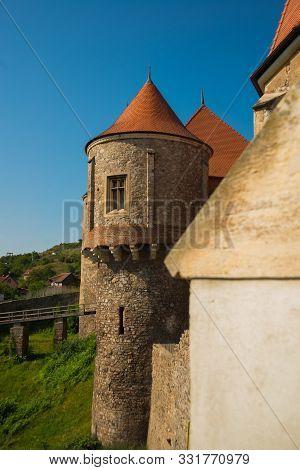 Hunedoara, Romania: Corvin Castle Or Hunyadi Castle In Hunedoara