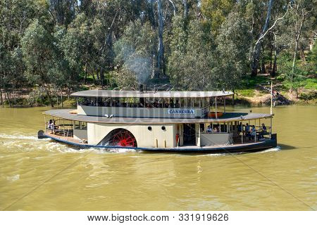 Echuca, Australia - October 3, 2019: Paddle Steamer Canberra Sailing On The Murray River