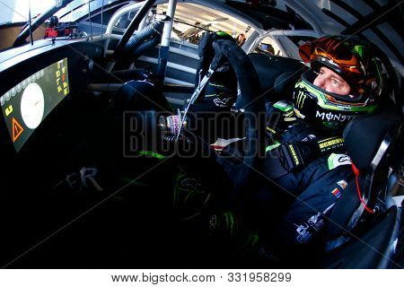 November 01, 2019 - Ft. Worth, Texas, USA: Kurt Busch (1) gets ready to practice for the AAA Texas 500 at Texas Motor Speedway in Ft. Worth, Texas.