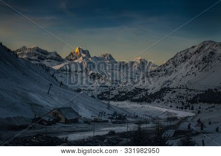 Aspe Peak Surrpunded By Lecherin Peak, El Sombrero, Llana De La Garganta And Llana Del Bozo, Seen Fr
