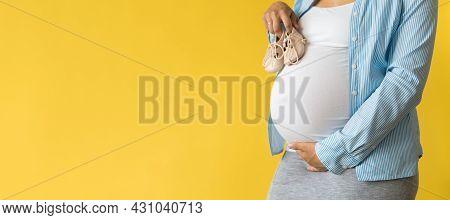 Motherhood, Femininity, Love, Care, Waiting, Hot Summer - Bright Banner Close-up Unrecognizable Preg