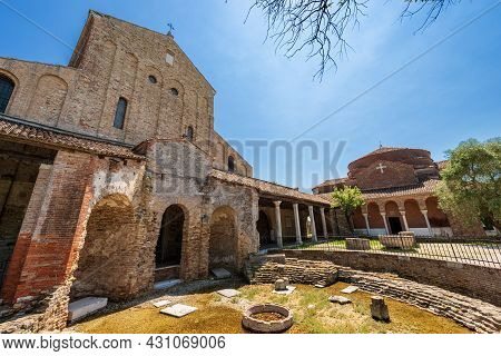 Torcello Island, Basilica And Cathedral Of Santa Maria Assunta In Venetian-byzantine Style (639) And