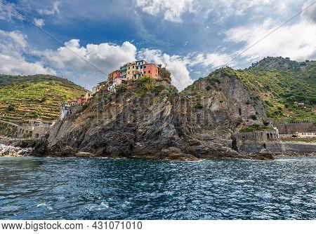 Manarola Village, Cliffs And Mediterranean Sea, Cinque Terre National Park In Liguria, La Spezia, It
