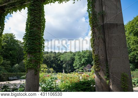 Berlin, Germany - August 11 , 2021 - View Of The Victory Column In Berlin Siegessaule And Surroundin