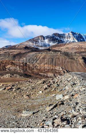 Himalayan landscape in Himalayas along Manali-Leh road. Baralacha La Pass, Himachal Pradesh, India
