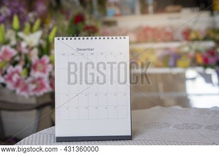 2021 Calendar Desk For Wedding Planner And Organizer To Plan And Reminder Daily Appointment, Meeting