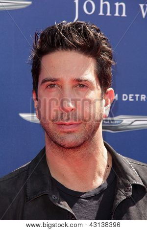 LOS ANGELES - MAR 10:  David Schwimmer arrives at the  10th Annual John Varvatos Stuart House Benefit at the John Varvatos Boutique on March 10, 2013 in West Hollywood, CA