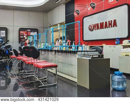 Kanchanaburi,thailand-june 10, 2021 : Clear Plastic Partition To Separate Between Customer And Sales