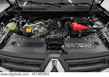 Novosibirsk, Russia - July 28, 2021: Renault Duster, Close Up Of A Clean Motor Block,  Internal Comb