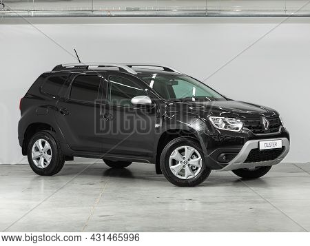 Novosibirsk, Russia - July 28, 2021: Black  Renault Duster, Side View. Popular Car On A Parking