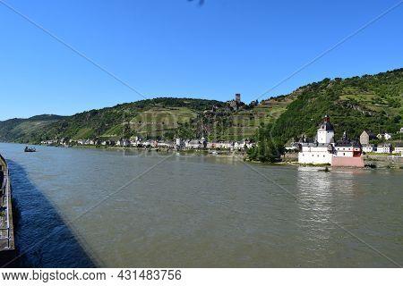Kaub, Germany - June 14th 2021: Rhine Island Castle Burg Pfalzgrafenstein In Mittelrheintal