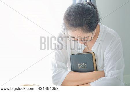 Woman Pray For God