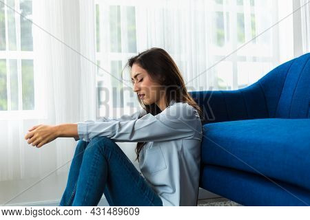 Caucasian Woman Psychological Problem Feeling Anxiety Depression. Her Face Showed Sad And Worried. U