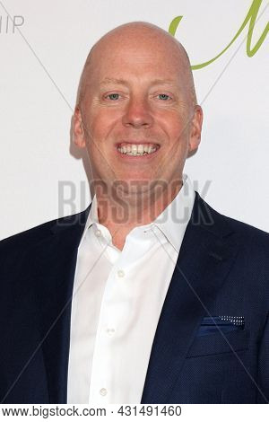 LOS ANGELES - AUG 20:  Mick Cronin at the 21st Annual Harold and Carole Pump Foundation Gala at the Beverly Hilton Hotel on August 20, 2021 in Beverly Hills, CA