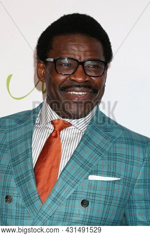 LOS ANGELES - AUG 20:  Michael Irvin at the 21st Annual Harold and Carole Pump Foundation Gala at the Beverly Hilton Hotel on August 20, 2021 in Beverly Hills, CA