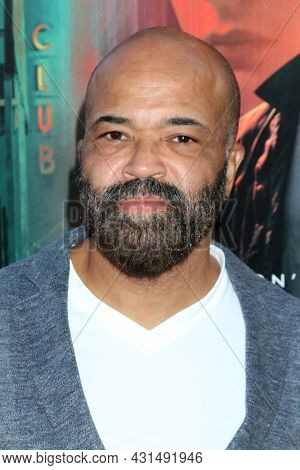 LOS ANGELES - AUG 17:  Jeffrey Wright at the Reminiscence Los Angeles Premiere at the TCL Chinese Theater IMAX on August 17, 2021 in Los Angeles, CA