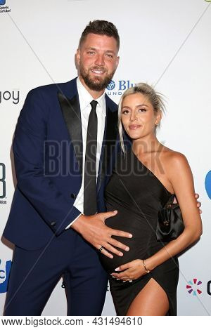 LOS ANGELES - AUG 20:  Chandler Parsons, Haylee Harrison at the 21st Annual Harold and Carole Pump Foundation Gala at the Beverly Hilton Hotel on August 20, 2021 in Beverly Hills, CA