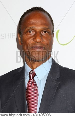 LOS ANGELES - AUG 20:  Willie Gault at the 21st Annual Harold and Carole Pump Foundation Gala at the Beverly Hilton Hotel on August 20, 2021 in Beverly Hills, CA