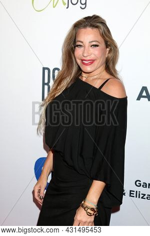LOS ANGELES - AUG 20:  Taylor Dayne at the 21st Annual Harold and Carole Pump Foundation Gala at the Beverly Hilton Hotel on August 20, 2021 in Beverly Hills, CA