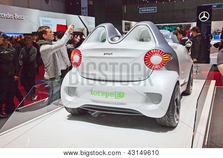GENEVA - MARCH 8: The Smart forSpeed fully electric concept car on preview at the 81st International Motor Show Palexpo-Geneva on March 8, 2011 in Geneva, Switzerland.