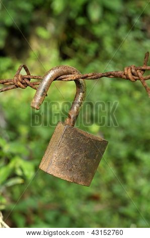 Lock Key Rust Old Hang