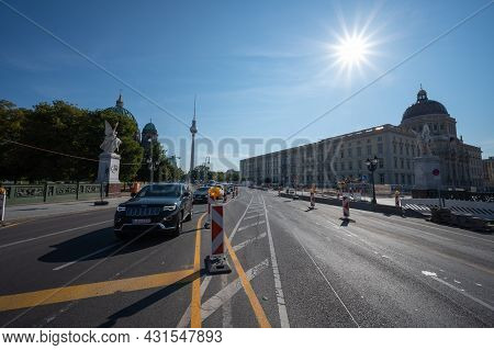 Berlin, Germany - August 12 , 2021 -view Of The Tv Tower In Berlin Fernsehturm