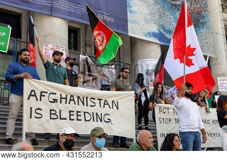 Downtown Vancouver, British Columbia, Canada - August 28, 2021: Crowd Of People Protesting Against T