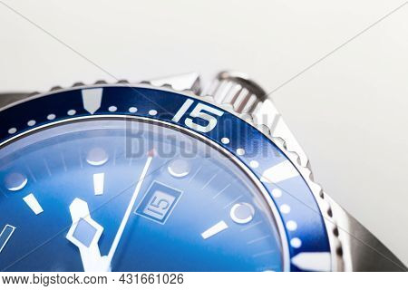 Automatic Mechanical Mans Wrist Watch Fragment With Blue Deal, Date Indication And Rotating Ceramic