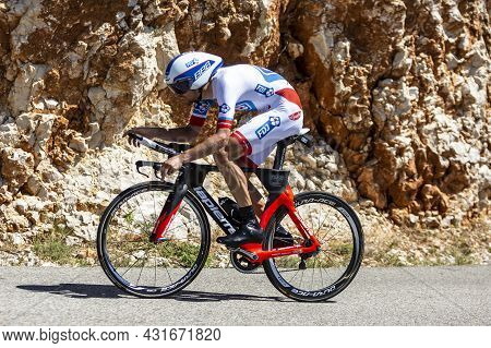 Col Du Serre De Tourre,france - July 15,2016: The French Cyclist Jeremy Roy Of Fdj Team Riding Durin