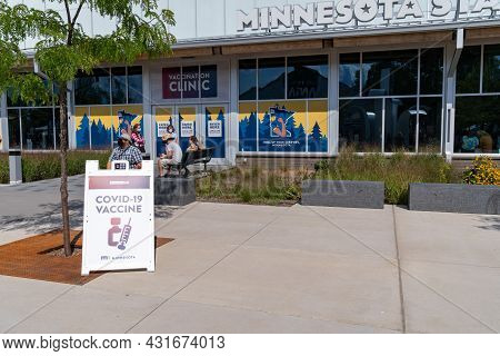Falcon Heights, Minnesota - August 30, 2021: The Free Covid-19 Vaccine Clinic At The Minnesota State